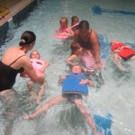 auch Rückenschwimmen will gelernt sein
