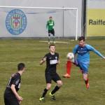 11 Jakob erkämpft sich den Ball