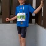 04 Benedikt mit Medaille