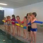 04 zur Sicherheit mit Schwimmnudel
