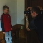 11 unser Nachwuchsleiter und Fotograf macht ein Bild für den neuen Spielerpass