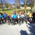 07 erste Freitagsausfahrt mit 17 BikerInnen